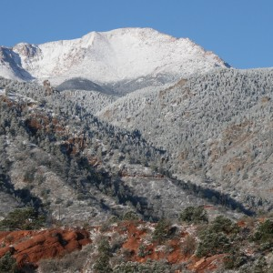 Snow arrives in Manitou