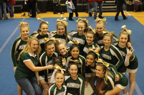 Cheerleaders Place First at League