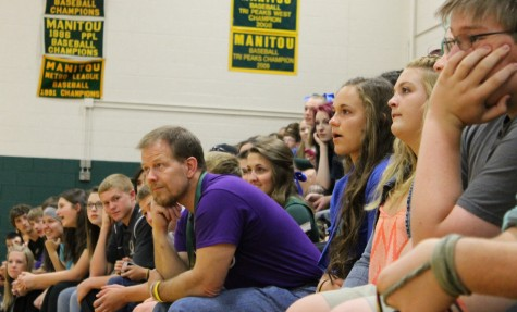 Students and teachers watching the Assembly