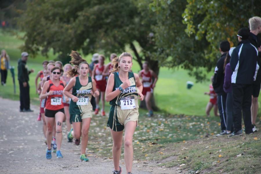 Kaitlyn Davidson (10) pulling ahead with Hailey Clark (10) not far behind.