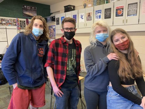 Seniors Payton Reed, Michael Parker, Grace Olson, and Sophie McKeown hanging out in Advisory before Spring Break.